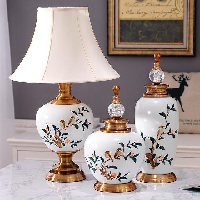 Dekoratif Seramik Küp ve Vazolardan Oluşan Süs Eşyası